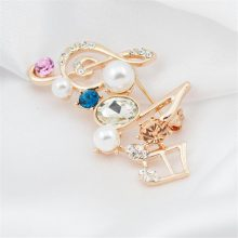 Pearl Music Note Brooches